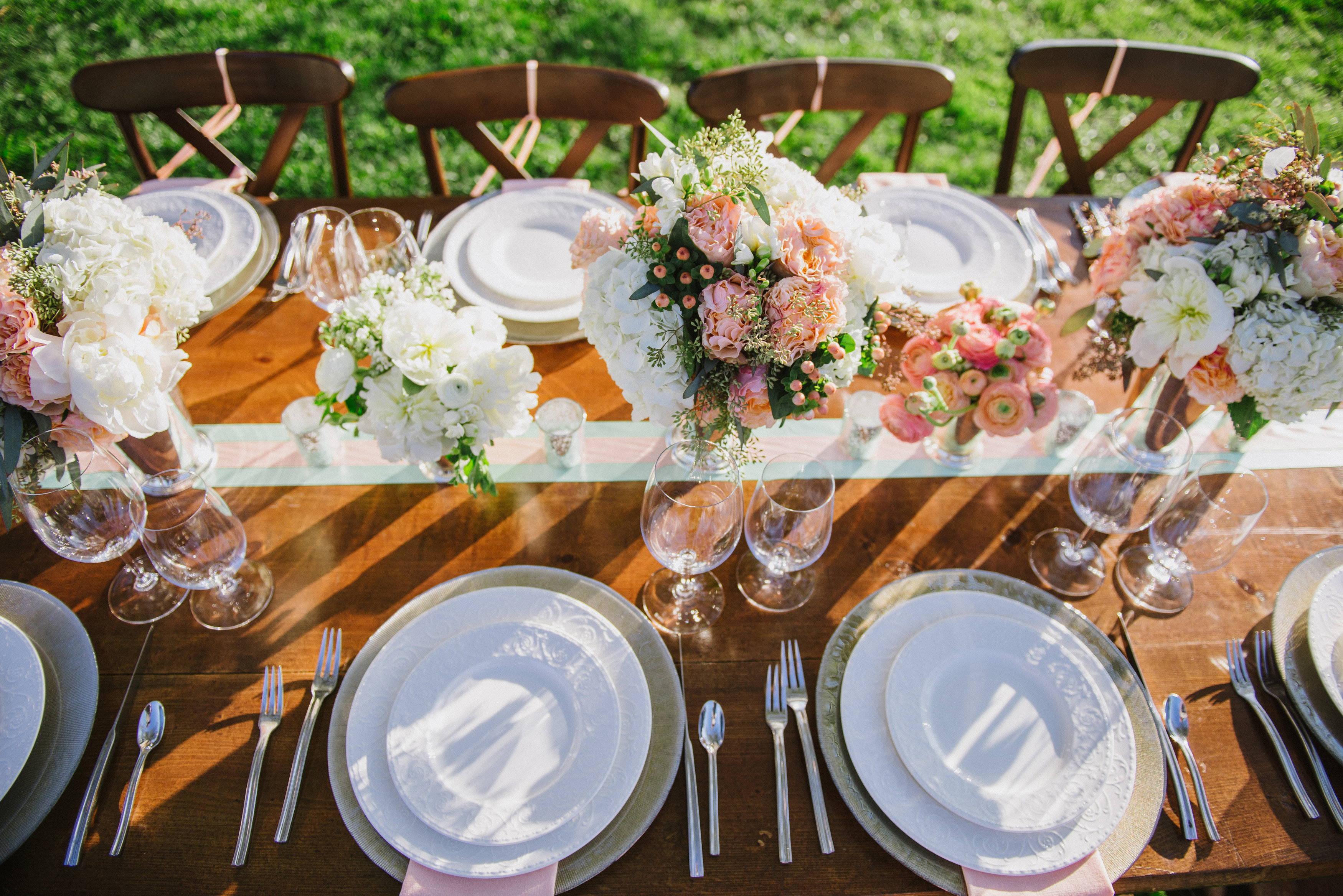 Picnic Weddng Inspiration. DC Wedding Planner Bright Occasions, Brittany DeFrehn Photography.